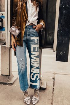 Denim STYLE - Classic, contemporary, cool, creative-- you can't go wrong with denim. We love our blue jeans and here are some great looks to inspire your Denim Style. Painted Jeans, Painted Clothes, Denim Fashion, Fashion Outfits, Womens Fashion, Fashion Trends, Mega Fashion, Catwalk Fashion, Fashion Fashion