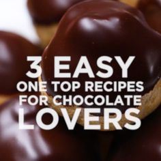 Chocolate 3 Ways On The One Top - Especially the last one turned into a bowl of fudge. No Bake Desserts, Just Desserts, Delicious Desserts, Yummy Food, Tasty Videos, Food Videos, Desert Recipes, I Love Food, Food Hacks