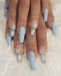 Acrylic Nails Coffin Short, Blue Acrylic Nails, Simple Acrylic Nails, Summer Acrylic Nails, Chistmas Nails, Xmas Nails, Simple Christmas Nails, Blue Christmas, Nagellack Design