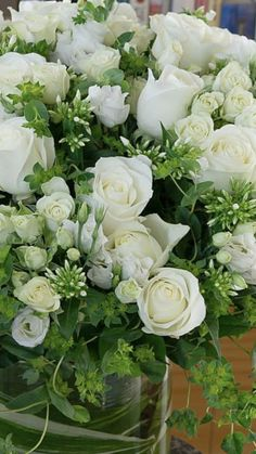 Popular Flowers, All Flowers, Wedding Flowers, White Spray Roses, Buy Flowers Online, Wholesale Roses, Star Of Bethlehem, Seeded Eucalyptus, Lily Of The Valley