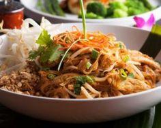 Pad thaï ou nouilles de riz sautées au poulet
