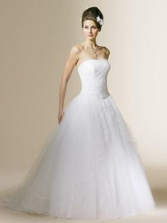 Ball Gown Strapless Sleeveless Court Train Tulle Wedding Dress with Beading