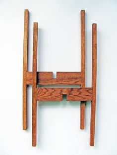 Large Mid Century Modern Plant Stand in Oak Wood - love.midcentury living - Our large modern plant stands are handmade from Red Oak hardwood and are made using dowel construct - Modern Plant Stand, Wood Plant Stand, Indoor Plant Stands, Tall Plant Stands, Diy Holz, Red Oak, Plant Decor, Diy Furniture, Plywood Furniture