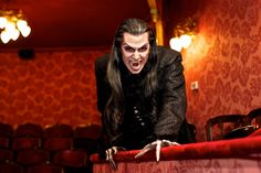 #lieberDschinni Einmal selbt das Grafenkostüm tragen und so gestylt zu werden, das wäre ein großer Wunsch. Vampires, Graf, Wolfstar, First Love, My Love, Ghost Stories, Dracula, Mythology, Fantasy Art