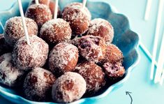Blueberry donuts, Finnish May Day Food, May 2016 Blueberry Donuts, Cereal, Muffin, Goodies, Food And Drink, Snacks, Baking, Breakfast, Cake