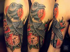 Do you have or are you considering getting a tattoo of a clock? This article is all about the meaning, symbolism, design, and look of different clock tattoos. Raven Tattoo, Get A Tattoo, Shoulder Tattoo, Tattoos With Meaning, Tattoo Photos, Clock, Ink, Pictures, Design