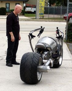 Chopper City's road-legal BatPod replica - Motocycle Pictures and Wallpapers Concept Motorcycles, Triumph Motorcycles, Custom Motorcycles, Custom Bikes, Cars And Motorcycles, Custom Choppers, Chopper Motorcycle, Motorcycle Design, Bike Design