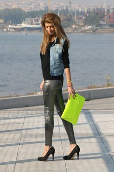 Hiiii my beauties.. =)   Two trends of the season together, metallic pants and fluro colors..What do you think about?? like it or not...