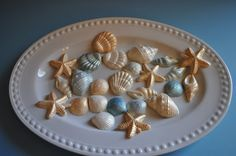 how to make white choclate candy molds. Chocolate Chip Cookie Cake, Chocolate Peanut Butter Cookies, Chocolate Candy Molds, Chocolate Fountain Wedding, Chocolate Fountains, How To Make Chocolate, White Chocolate, Chocolate Box, Seashell Cupcakes