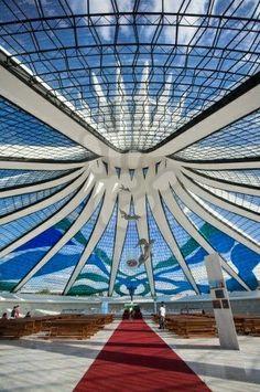Catedral Metropolitana de Brasilia / Metropolitan Cathedral of Brasilia, Brazil by Oscar Niemeyer. Oscar Niemeyer, Futuristic Architecture, Amazing Architecture, Architecture Details, Unusual Buildings, Amazing Buildings, Bsb Brasilia, Modern Church, Brazil Travel