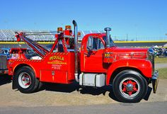 Mack B-61 Tow Truck | Flickr - Photo Sharing!