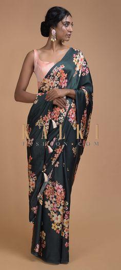 Navy Blue Saree In Satin Blend With Floral Print All Over Online - Kalki Fashion Royal Blue Saree, Navy Blue Saree, Purple Saree, Green Saree, Pink Saree Blouse, Peach Saree, Saree Dress, Latest Indian Saree, Indian Sarees