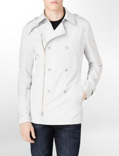 Great jacket, lots of details in front and back. Looks good zipped and un-zip.  Great find!