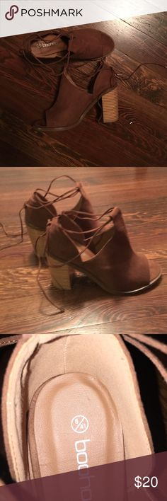 Brown suede heels Brown suede heels with gold tipped laces that wrap around ankle.  Peep too and only worn once. Size 41 (I'm a size 10) Boohoo Shoes Heels