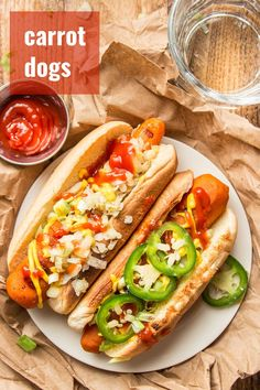 Yes, that's right: carrot dogs! Marinated grilled carrots served on a bun with your favorite toppings. They don't taste like hot dogs, but they're absolutely delicious. Totally vegan, packed with smoky flavor and perfect for grilling! #veganrecipes #grilling #carrotdogs Vegan Entree Recipes, Delicious Vegan Recipes, Veg Recipes, Vegetarian Meals, Quick Recipes, Yummy Food, Vegan Grilling, Grilling Recipes, Grilled Carrots