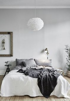 83 Minimalist Bedroom Ideas On A Budget Decoration - Please See Tips On How to Redesign. 83 Minimalist Bedroom Ideas On A Budget Decoration - Please See Tips On How to Redesign. Bud Friendly Minimalist Bedroom Ideas Dig This Design Modern Minimalist Bedroom, Interior Design Minimalist, Minimal Bedroom, Minimalist Apartment, Minimalist Home Decor, Home Interior Design, Bedroom Simple, Modern Bedroom, Minimalist Scandinavian