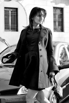 Milan Fashion Week, Women Fall Winter 2011/2012. Moda Donna, Autunno Inverno 2011/2012. Sfilata HAUTE.  Nella foto: Anna Safroncik e fidanzato     awesome! repin pls!