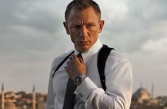 Daniel Craig's Skyfall Workout Routine - how he got that fit body for the movie. Bond. James Bond.
