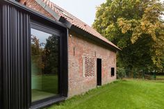 Image 18 of 25 from gallery of La Branche / DMOA Architecten. Photograph by Thomas Janssens Brick Cladding, House Cladding, Brickwork, Brick Architecture, Architecture Details, Interior Architecture, Interior Design, Glass Extension, Dark House