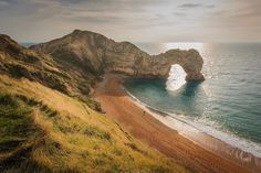 Durdle Door. A classic Dorset landmark today on my #photographyblog. #architecturalphotographer #buildingphotographer #commercialphotographer #constructionphotographer #constructionproductphotographer #industrialphotographer #interiorphotographer #landscapephotographer #professionalphotographer #propertyphotographer #photographer #productphotographer #dorset #hampshire #london #cornwall #canon #canonphotographer #canon6d #durdledoor #igersdorset #jurassiccoast