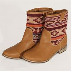 Boots in Camel with Aztec print