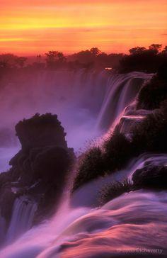 21 Breathtaking Waterfalls Around The World