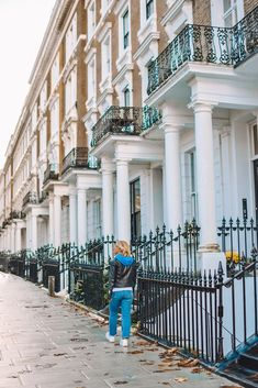 If you're searching for the prettiest streets in London, you've just found them! Here is a compilation of the most beautiful streets in London, with map! London Instagram, Best Instagram Photos, Foto Instagram, Best Location, Photo Location, London Photography, Travel Photography, Beautiful Streets, London Places