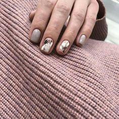 39 Stunning Minimalist Nail Art for Everyday Style - Uñas - Nail Manicure, Toe Nails, Pink Nails, Nail Polish, Manicures, Minimalist Nails, Nail Art Designs, Chrome Nails, Super Nails