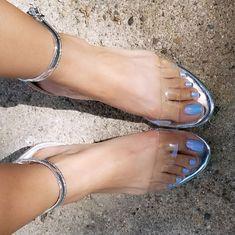 I Got The Blues!! Thank you for the pedi and the color choice once again 😘!!! Base Nailpolish: SinfulColors Color:Cinderella Top Nail Polish Color: Sally Hansen Miracle Gel Color: Let's Get Digital #maddengirl #feet #myfeet #feetnation #feeteverywhere #feeteveryday #feetmodel #beautifulfee #gorgeousfeet #bellospezhinos #pedolatria #pesfemeninos #pezhinoslindos #stevemadden #clearshoes #transperent #shoesmakemehappy #shoelover #shoeobssesion #sallyhansen #sinfulcolors #nailpolish