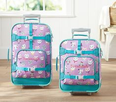 Our ultradurable luggage comes in multiple sizes to suit kids of all ages. Perfect for the family on the go, each bag features kid-friendly handles,  smooth-rolling wheels and easy-access compartments.