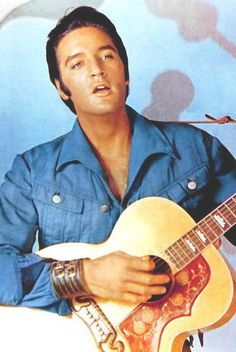 Elvis - What a beautiful man!