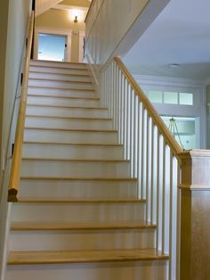 Delicate Vintage House in Classic Reinterpreted Interior: Stunning Traditional Staircase Design Wood Steps Harpswell New Residence ~ warnhouse.com Architecture Inspiration