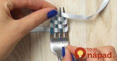 Obmotajte kúsok stuhy okolo vidličky a pevne stiahnite: Nebudete sa vedieť vynadívať na ten utešený výtvor!
