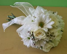 daisy wedding bouquet pictures   Wedding Bouquet Package Deals Available at Belvedere Flowers ...
