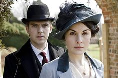 British actress Michelle Dockery, right, playing Lady Mary Crawley and actor Dan Stevens, left, in his role as Matthew Crawley pose on the set of Downton Abbey Lady Mary Crawley, Lady Sybil, Downton Abbey Characters, Downton Abbey Costumes, Downton Abbey Fashion, Michelle Dockery, Joan Collins, Dame Mary, Films