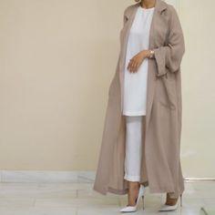 abu dhabi, beautiful, and abaya image Iranian Women Fashion, Islamic Fashion, Muslim Fashion, Modest Fashion, Fashion Dresses, Fashion Wear, Runway Fashion, Girl Fashion, Dubai Fashion
