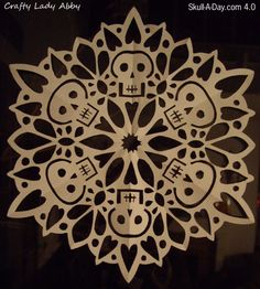 halloween decor diy -- how to make sugar skull inspired snowflakes. would work for a halloween set up or a macabre christmas version Holidays Halloween, Halloween Crafts, Holiday Crafts, Holiday Fun, Halloween Decorations, Mexican Holiday, Halloween Tutorial, Halloween Skull, Halloween Design