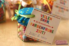 """Abschiedsgeschenk """"Farbenfrohe Zeit"""" (Kostenlose Bastelanleitung und Druckvorlage) - Handmade Kultur (Diy Geschenke Muttertag)"""
