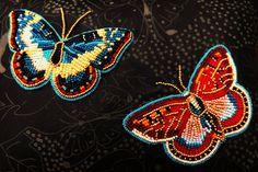 Indian Beadwork, Native Beadwork, Native American Beadwork, Beading Patterns Free, Seed Bead Patterns, Beaded Brooch, Beaded Jewelry, Jewellery, Beaded Spiders