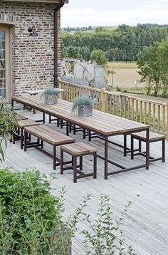 Why Teak Outdoor Garden Furniture? Welded Furniture, Cafe Furniture, Outside Furniture, Garden Furniture, Outdoor Furniture Sets, Outdoor Picnic Tables, Outdoor Dining, Outdoor Spaces, Outdoor Decor