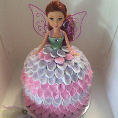 Fairy princess #cake for a special birthday #princess 💕🌷🍄😊 #yummy #birthdaycake #fairy #dollyvardencake #dollcake #marshmallows #glitter #magical #buttercream #pink #purple #cakedecorator #cakedecorating #redhead #kidsbirthdaycake #customcake