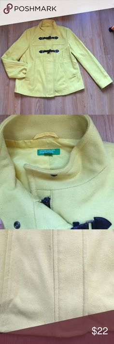 United colors of Benetton coat Good condition United Colors Of Benetton Jackets & Coats