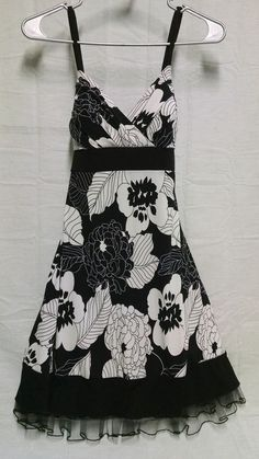 Womens Floral Black & White Sun Dress with Spaghetti Straps Size 5 #Morgan4Ever #Sundress #Casual