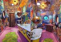Underwater Yellow Submarine Bathroom: Anthony Lindsey