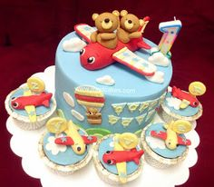 Aeroplane Cake With Teddy Bears
