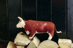 Bull from Best in Show: Knit your own Farm by Sally Muir and Joanna Osborne, published by Pavilion.