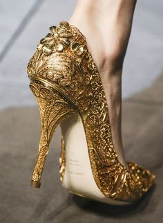 imgfave - amazing and inspiring images such a fairy tale shoe! So pretty!