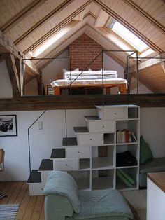 #Dachboden#Treppe