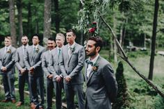 Groom seeing the bride walk down the aisle | Image by Matt Lien