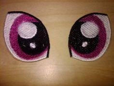 Crochet Dolls Design This design is of 2 eyes done in MLP:FiM style, and made for sewing onto a plush, or anything that needs some MLP:FiM eyes. This design is based upon - Crochet Applique Patterns Free, Crochet Doll Pattern, Crochet Motif, Crochet Stitches, Crochet Fairy, Cute Crochet, Crochet Amigurumi, Amigurumi Patterns, My Little Pony Unicorn